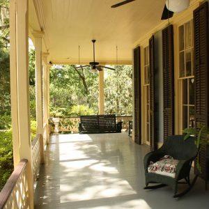 porch-186402_640